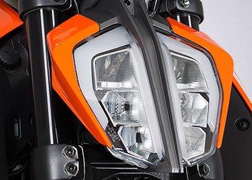 KTM 125 Duke front view
