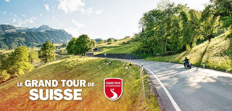 Col de Wildhaus : Sur la route du Liechtenstein: virages décontractés à travers les paysages pittoresques suisses.