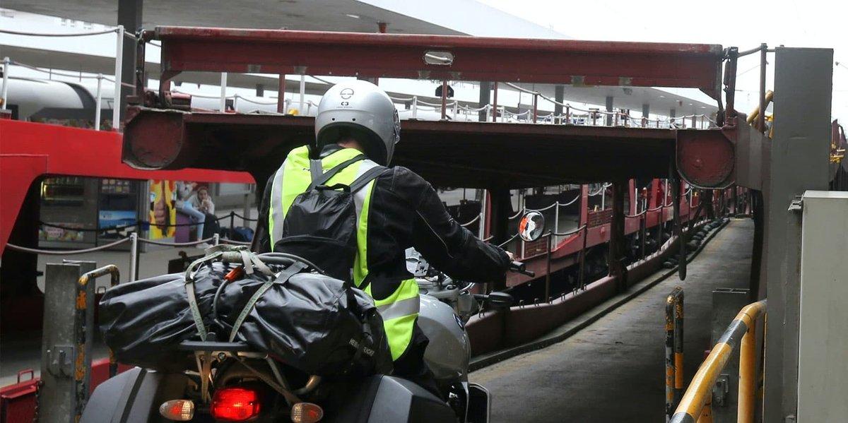 Urlaubs Express Zug für Motorrad Transport
