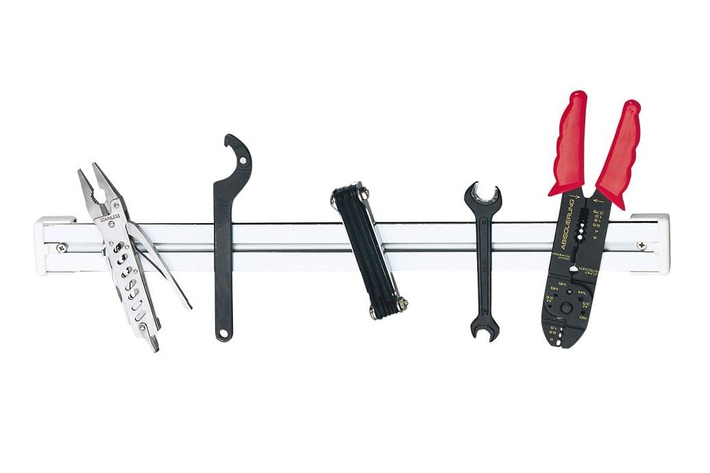 Fig. 10 d: Magnetic tool rail