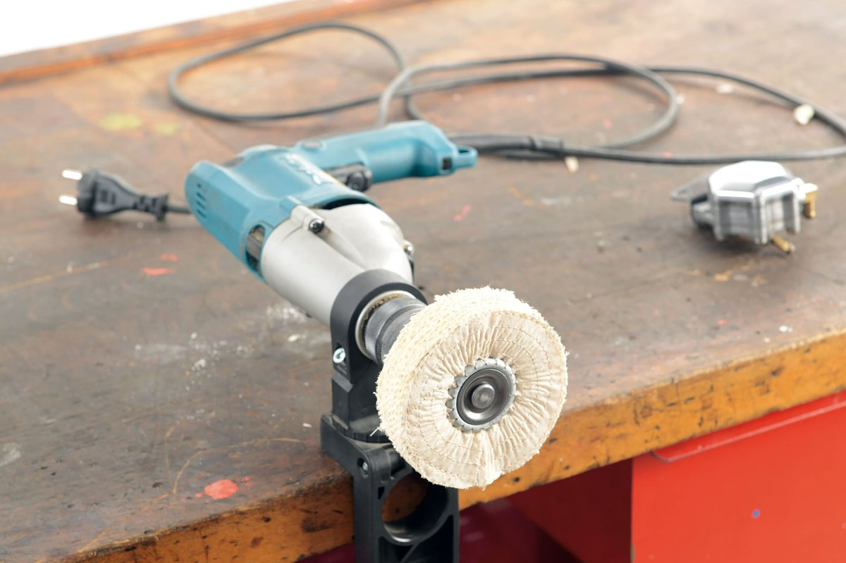 Step 3 a – Clamp the drill to the workbench
