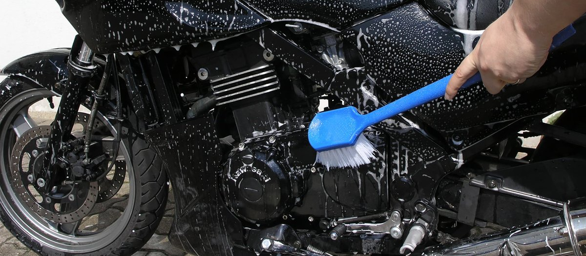 Washing and polishing your motorcycle