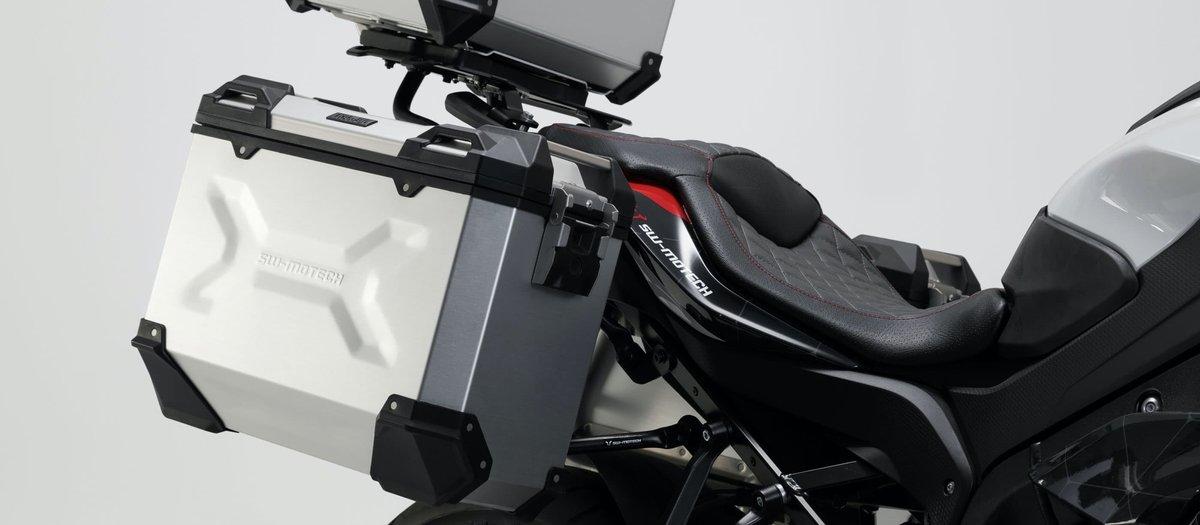 Montage du porte-valise EVO sur la moto