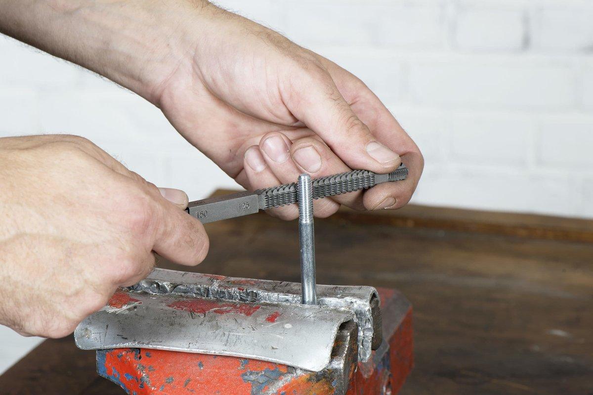 Thread restorer: good for damaged threads