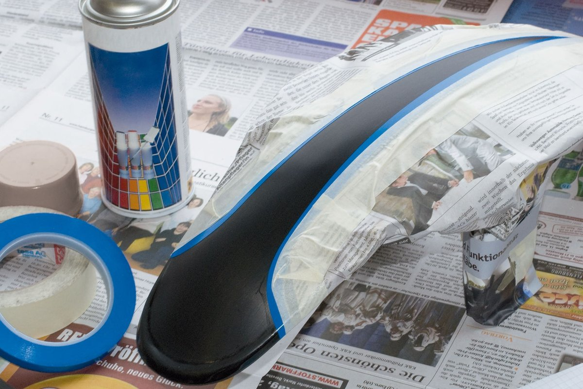 Fase7 a – proteggere la zona per il secondo colore con del nastro adesivo…