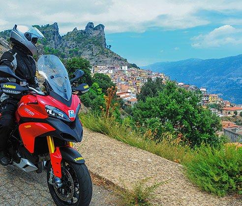 Sardinien und Korsika