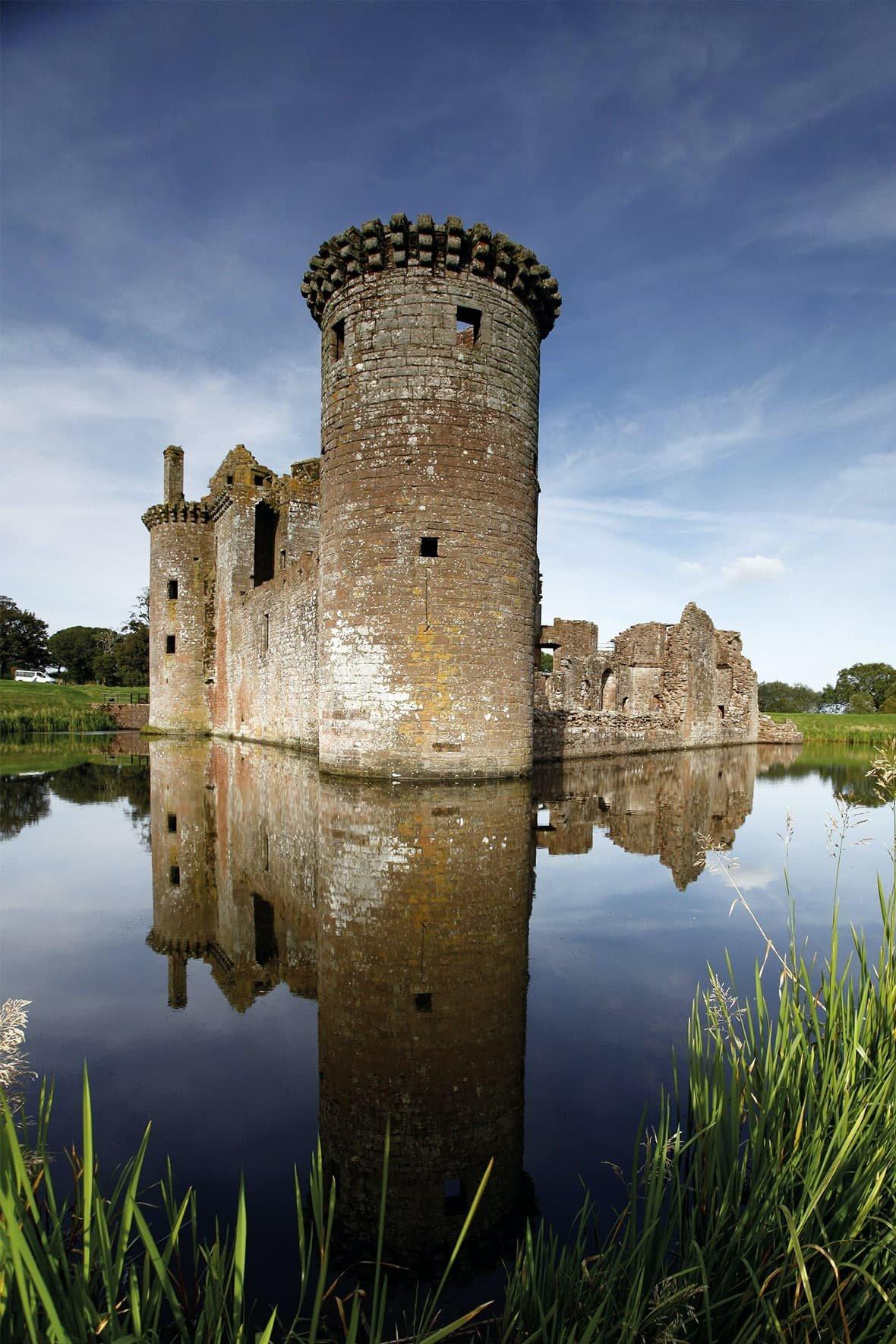 Caerlaverock Castle | VisitScotland