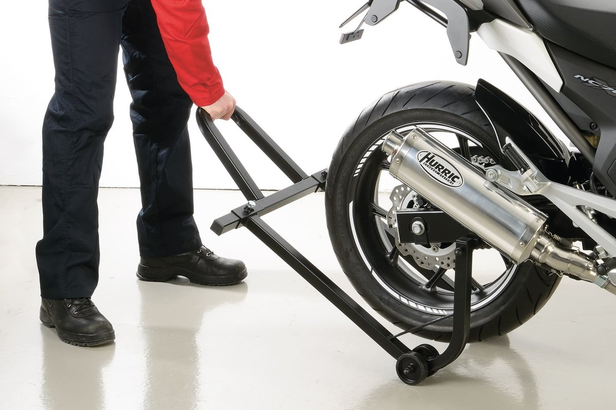 The simple solution for the rear wheel, can be used universally