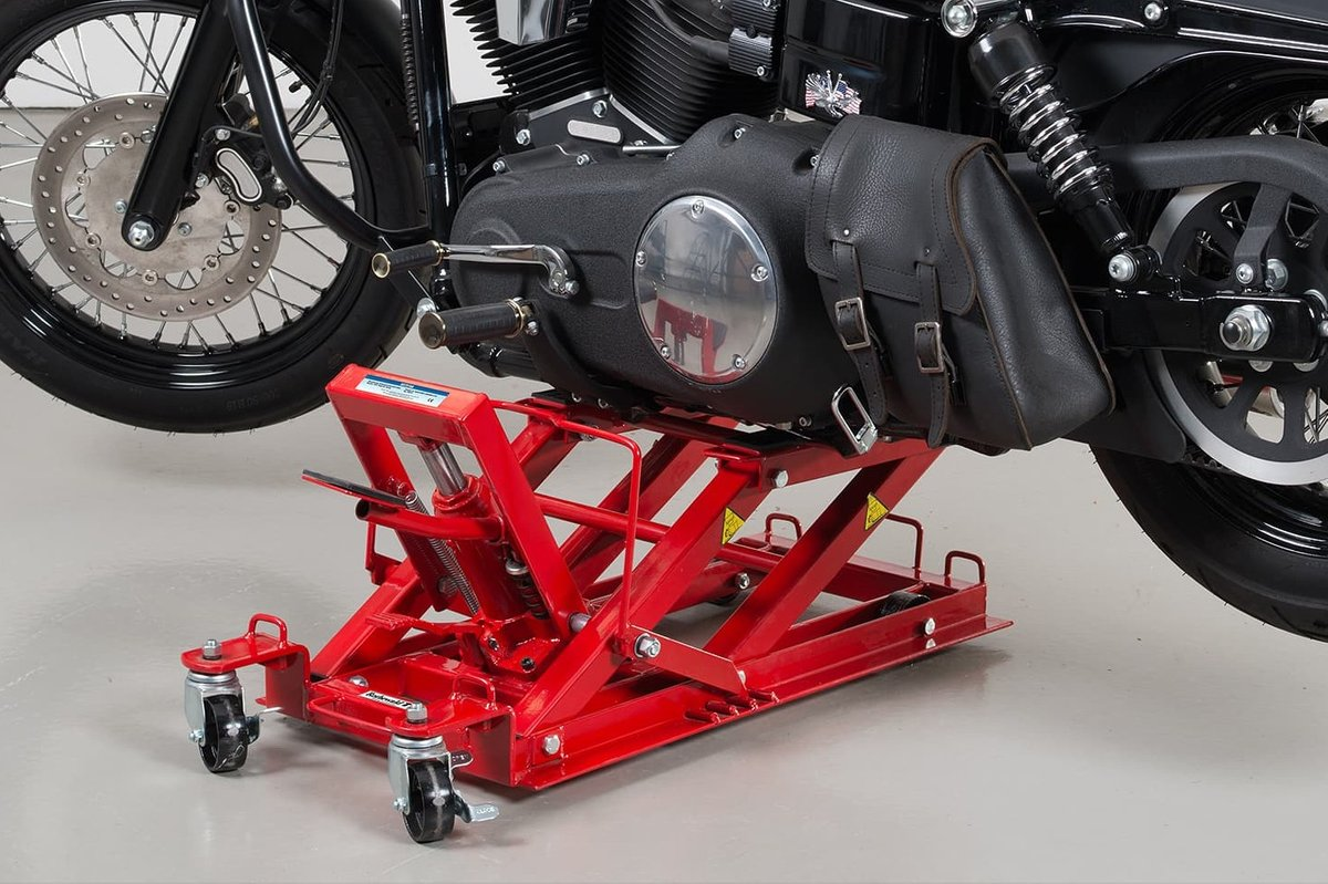Both stable and portable: hydraulic motorcycle lifting table
