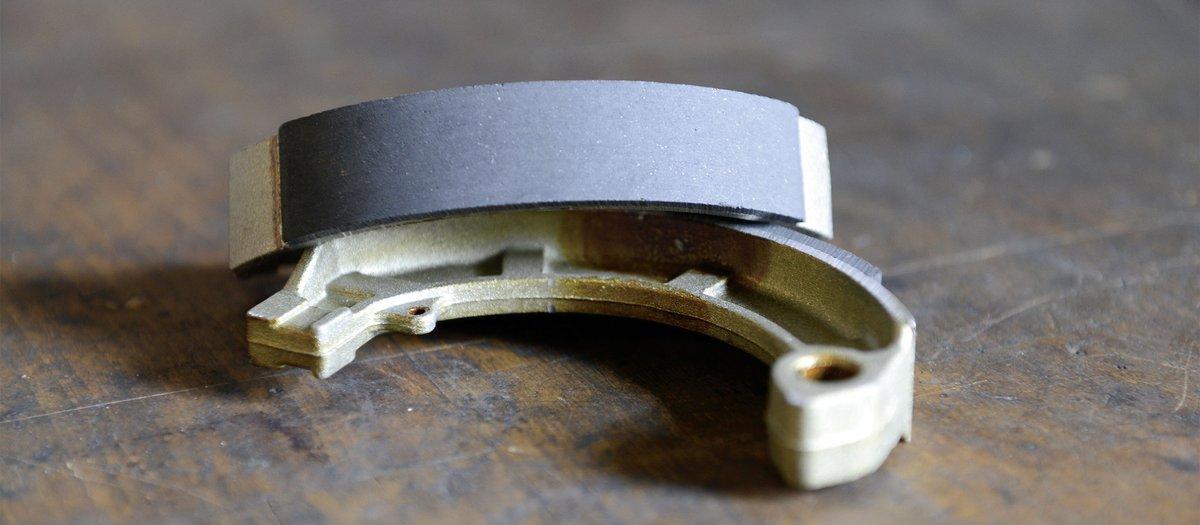 Bremsbacken der Trommelbremse wechseln