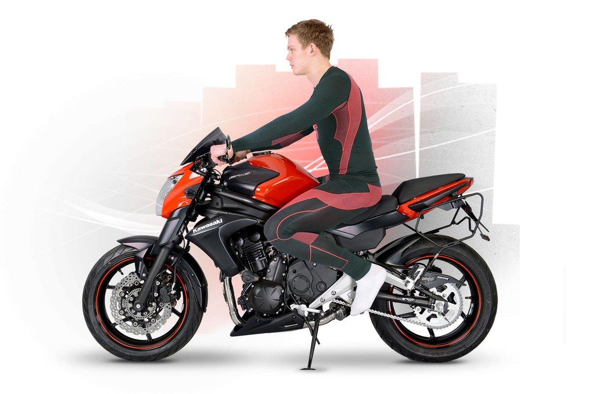 Sitzposition - Motorradfahrer auf dem Motorrad