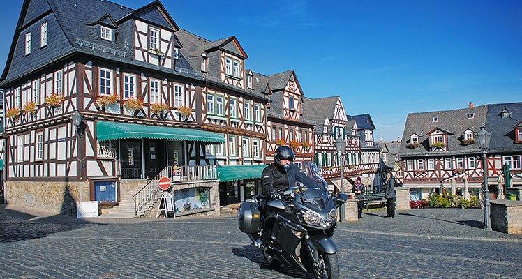 Deutschlands Mitte – Taunus und Rheingau Motorrad Tour