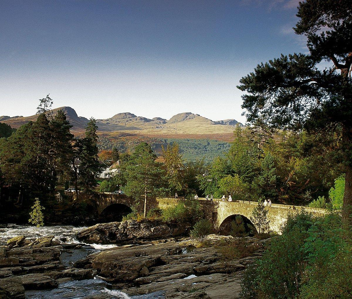Brücke bei den Falls of Dochart, Stirlingshire