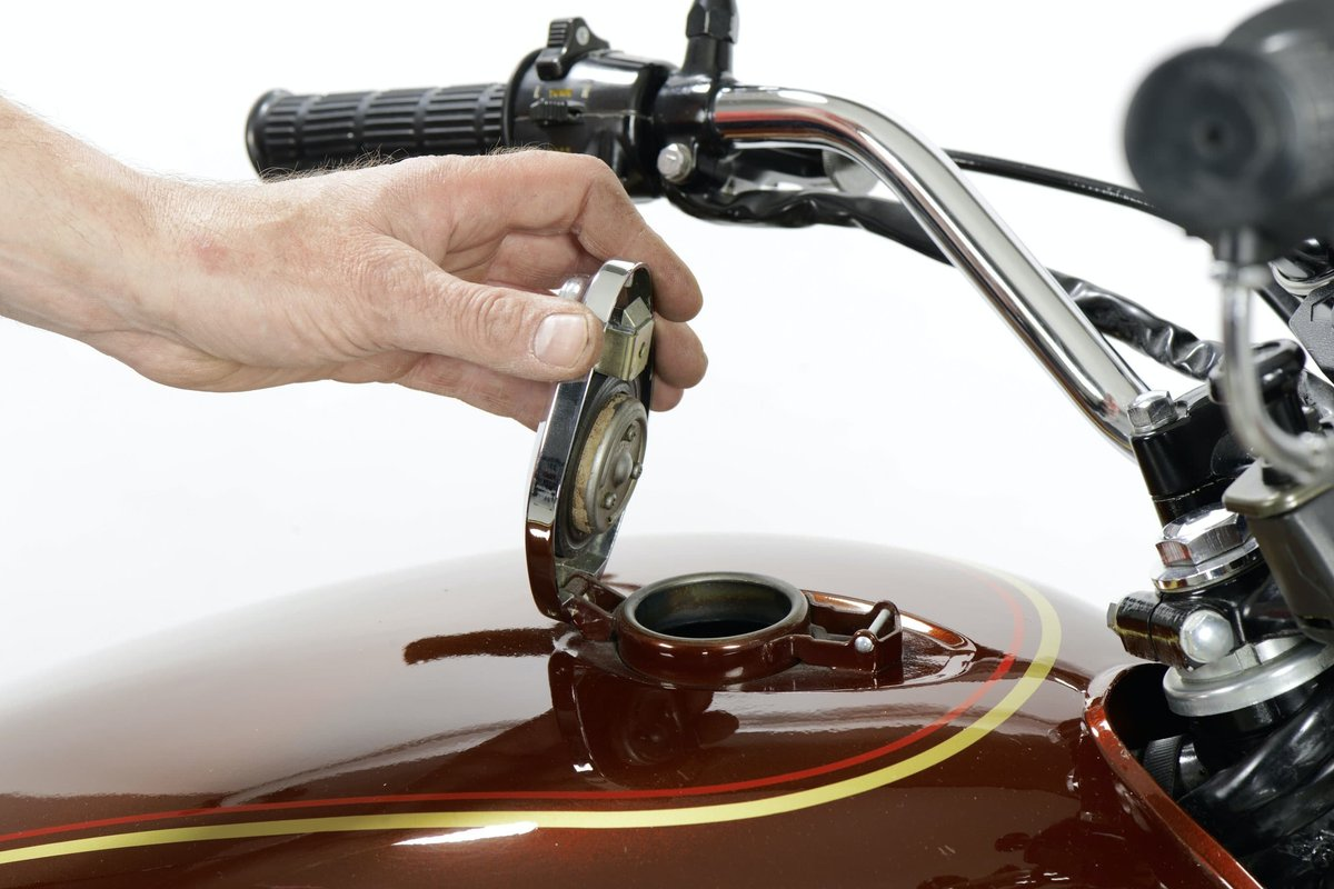 Step 7, Fig. 1 – Enough petrol in the tank?